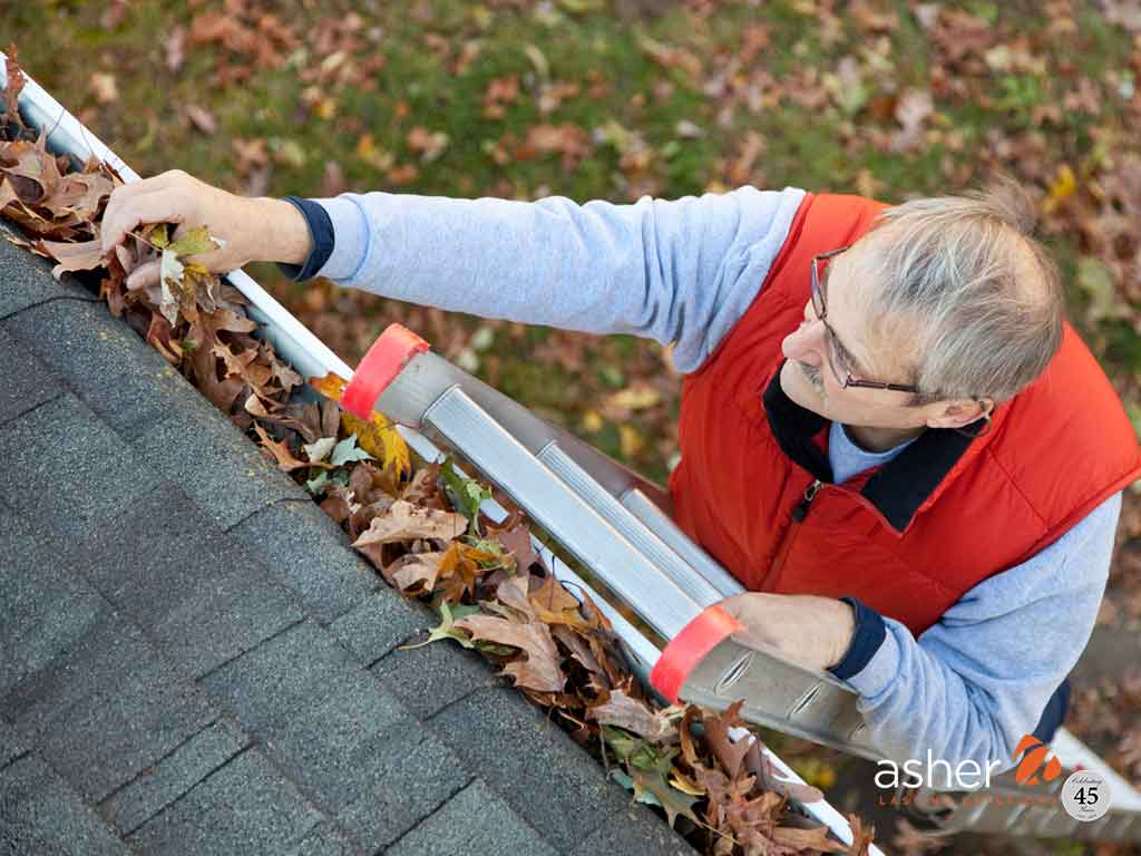 Best Ladders for cleaning gutters according to science and research
