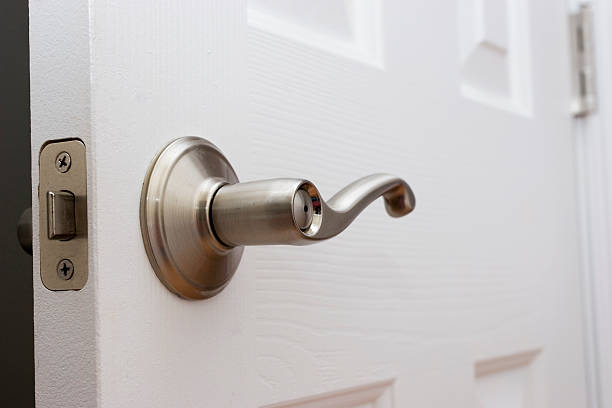 Lever on lever knobs: