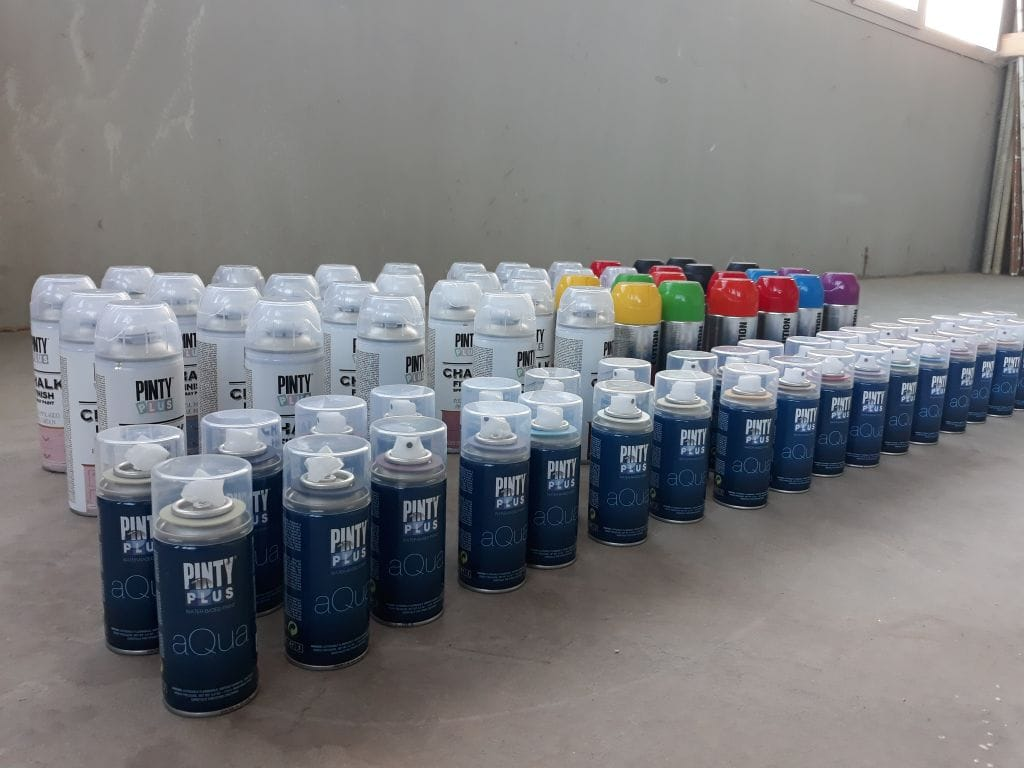Different types of spray paint and how long it takes to dry